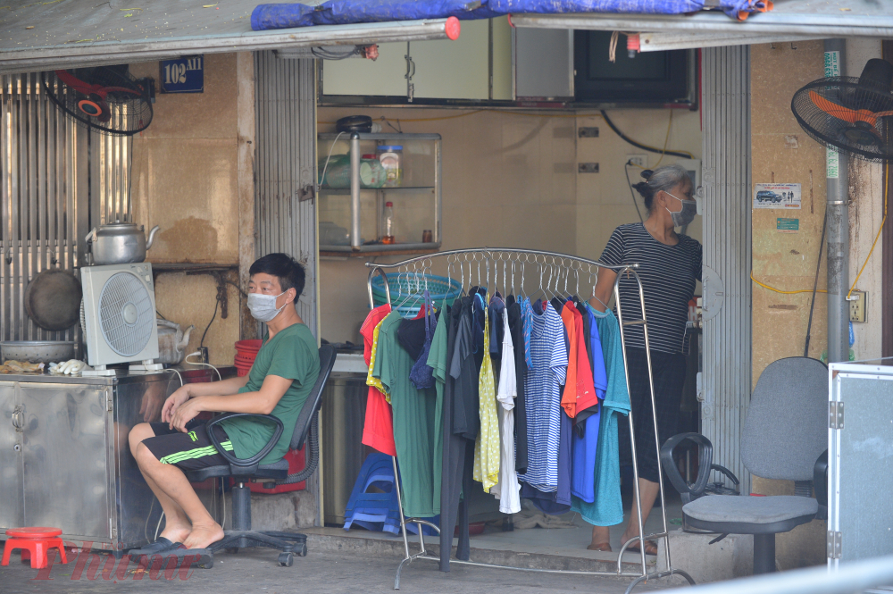 Theo ông Nghĩa Tổ 15 phường Nghĩa Đô có khoảng 285 hộ và 1000 dân