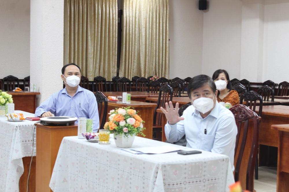 Chủ tịch UBND TPHCM Nguyễn Thành Phong lưu ý việc chỉ cách ly F1 tại nhà khi đủ điều kiện và không nằm trong vùng có nguy cơ cao.