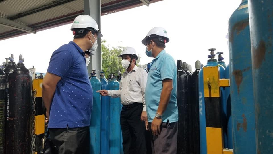 Tổ Thường trực đặc biệt của Bộ Y tế thăm và kiểm tra sản xuất cung ứng nguồn oxy y tế tại Công ty TNHH Khí Công nghiệp Messer Việt Nam.