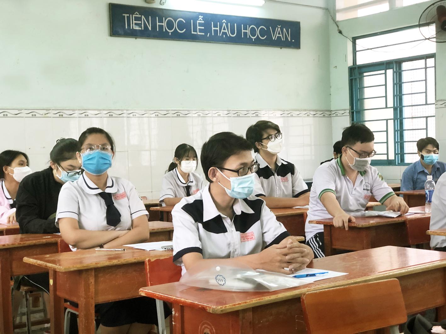 Thí sinh dự thi tốt nghiệp THPT đợt một tại TP.HCM - ẢNH: TIÊU HÀ