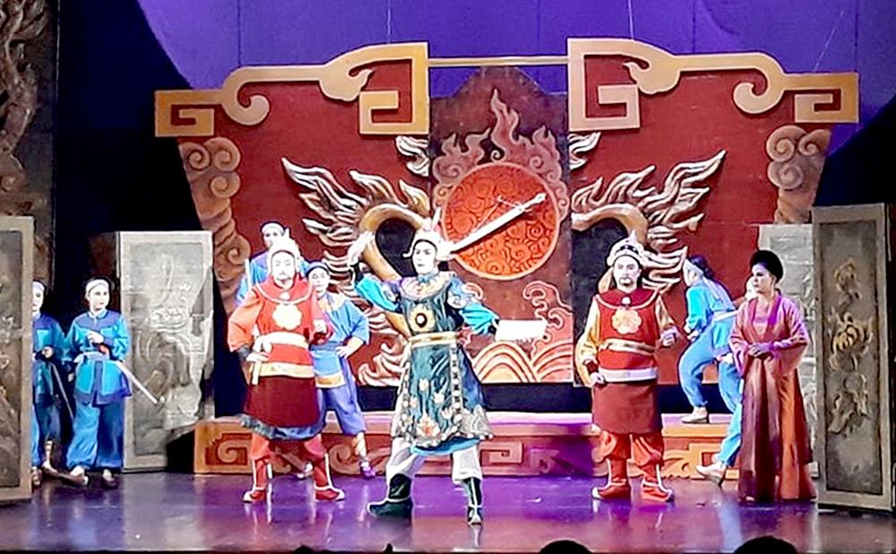 Vở Trung Thần của nhà hát Tuồng VN mở màn hao5t động nhà hát online trên VTV1 ngày 27/7