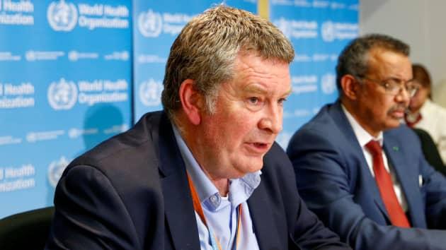 Mike Ryan tại một cuộc họp báo về loại coronavirus mới ở Geneva, Thụy Sĩ