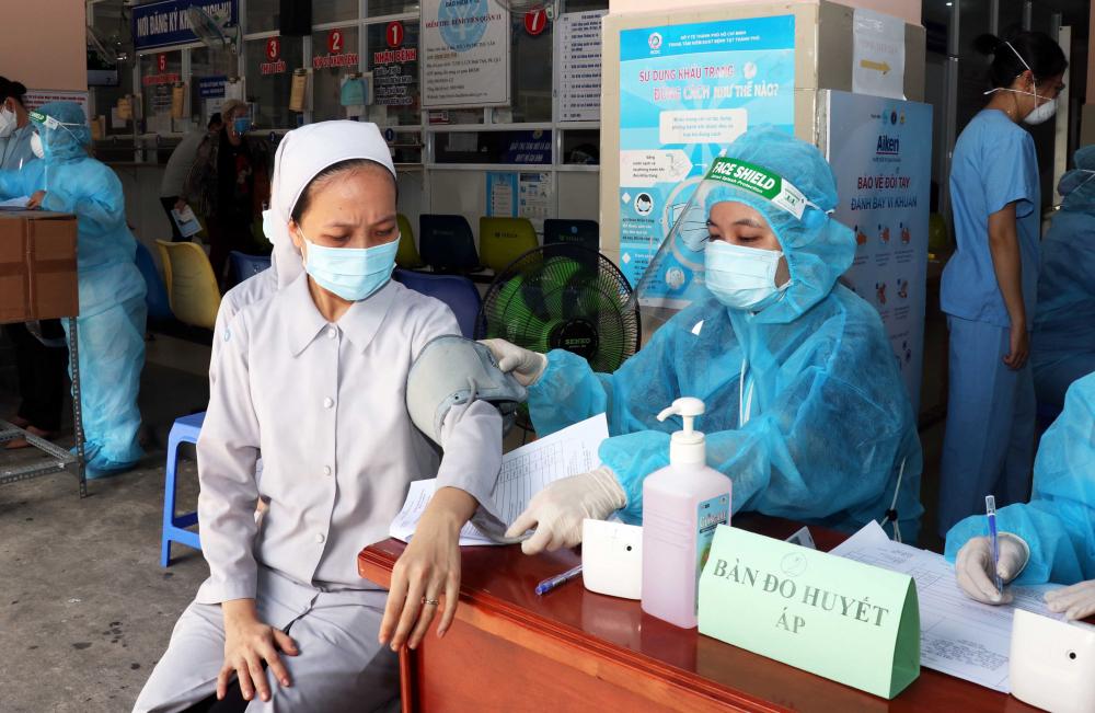 Cộng đồng tôn giáo tại TPHCM đã nhanh chóng hưởng ứng với khoảng 700 tình nguyện viên trong các tổ chức tôn giáo của Phật giáo, Công giáo, Tin lành… đã đăng ký tham gia
