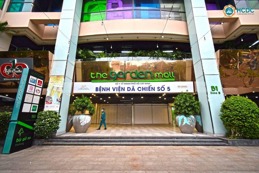 Chủ đầu tư The Garden Mall (Thuận Kiều Plaza) - Công ty CP Đầu tư An Đông đã quyết định cải tạo toàn bộ mặt bằng khu thương mại của tòa nhà để TPHCM làm Bệnh viện dã chiến số 5