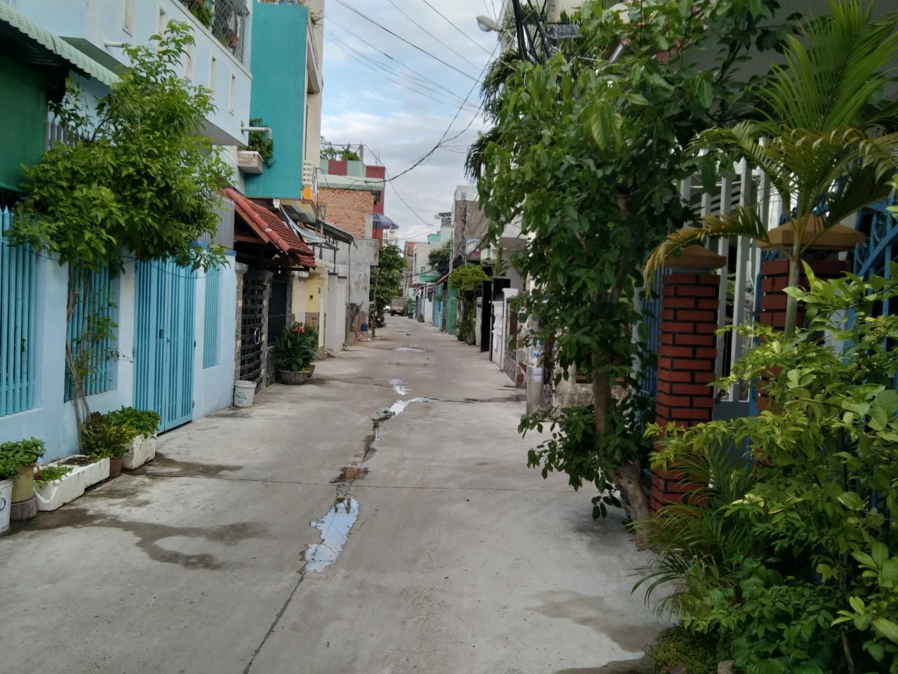 Con đường hẻm ở phường 2, TP Tuy Hòa (Phú Yên) áp dụng biện pháp giãn cách xã hội