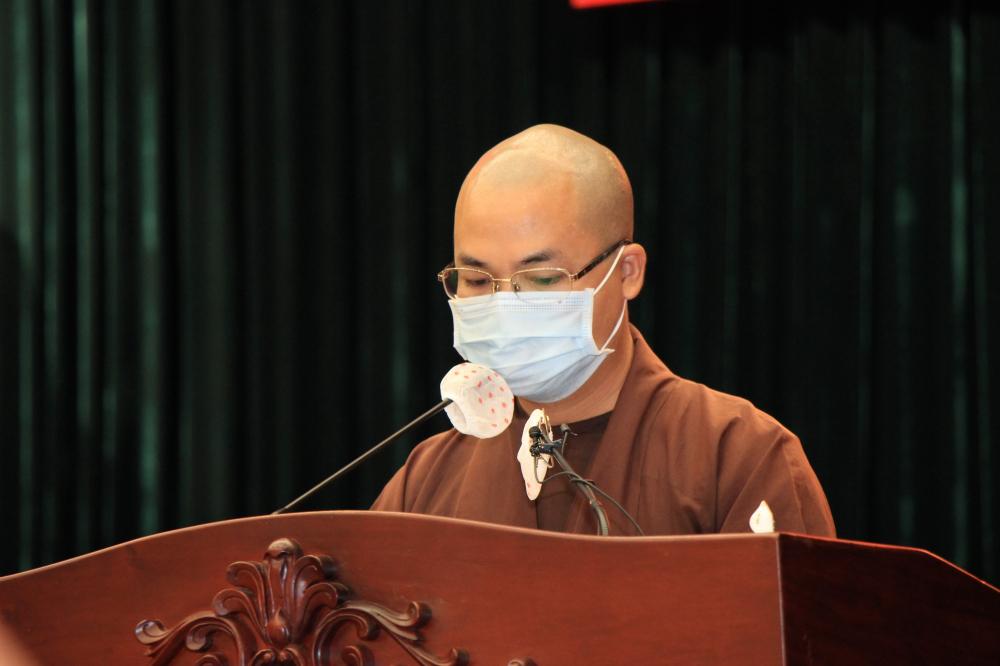 Đại đức Thích Trung Khai cho biết các tăng ni, Phật tử sẵn sàng nhận nhiệm vụ chia sẻ cùng các lực lượng ở tuyến đầu, góp phần vào công cuộc chống dịch của TP và cả nước. Ảnh: Quốc Thanh.