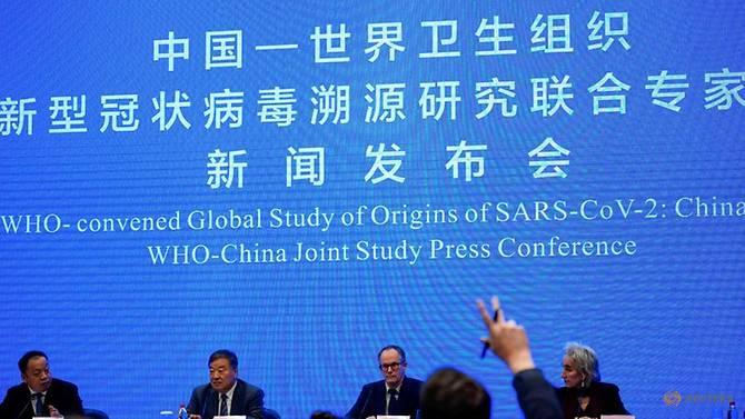 Peter Ben Embarek, một thành viên của WHO được giao nhiệm vụ điều tra nguồn gốc của COVID-19, tham dự cuộc họp báo học thuật chung giữa WHO và Trung Quốc tại một khách sạn ở Vũ Hán, Trung Quốc, ngày 9/2/2021 - Ảnh: Reuters