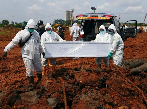 Số người chết do COVID-19 liên tiếp lập kỷ lục tại Indonesia.