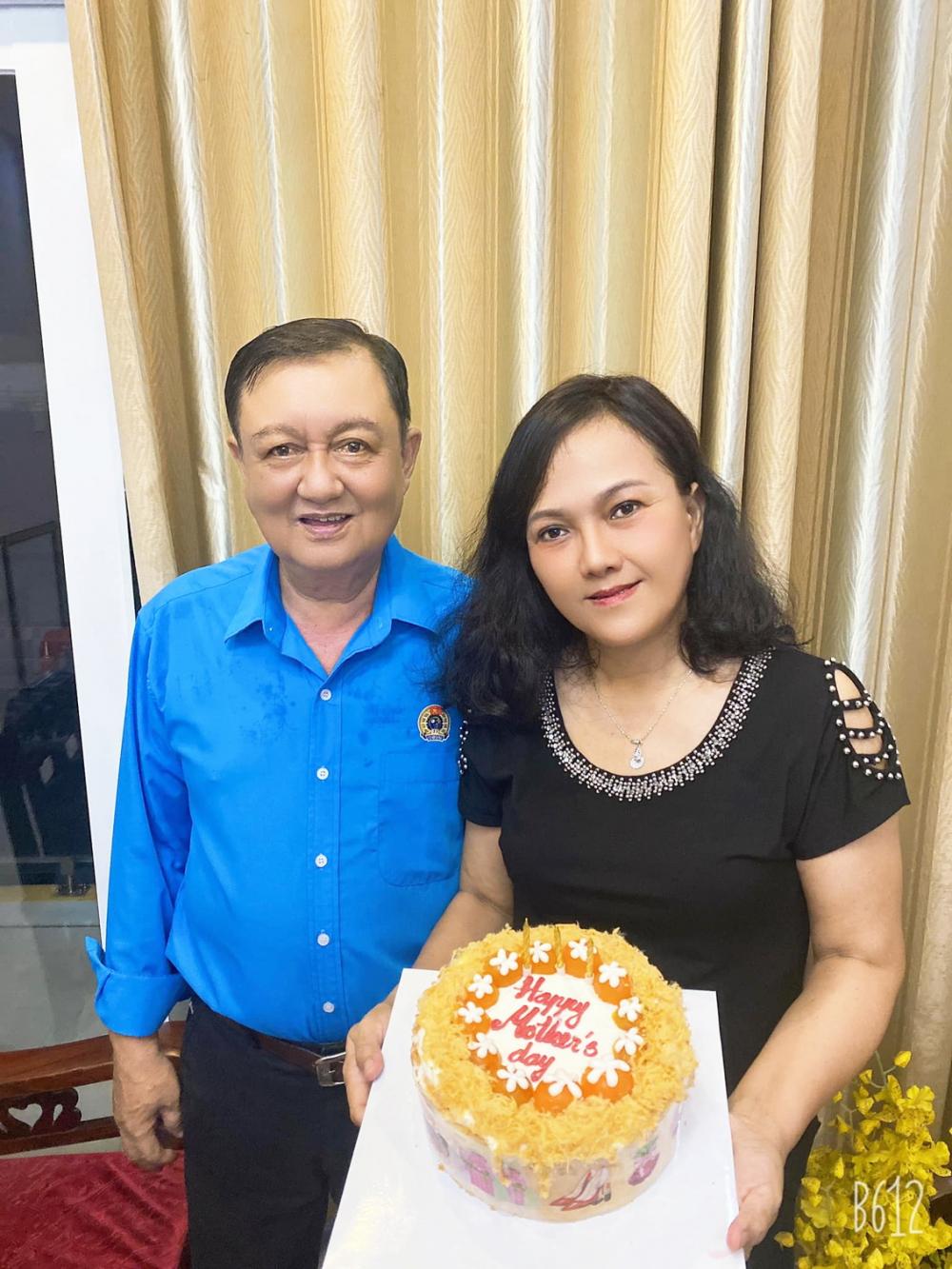 Vợ chồng chị Hương