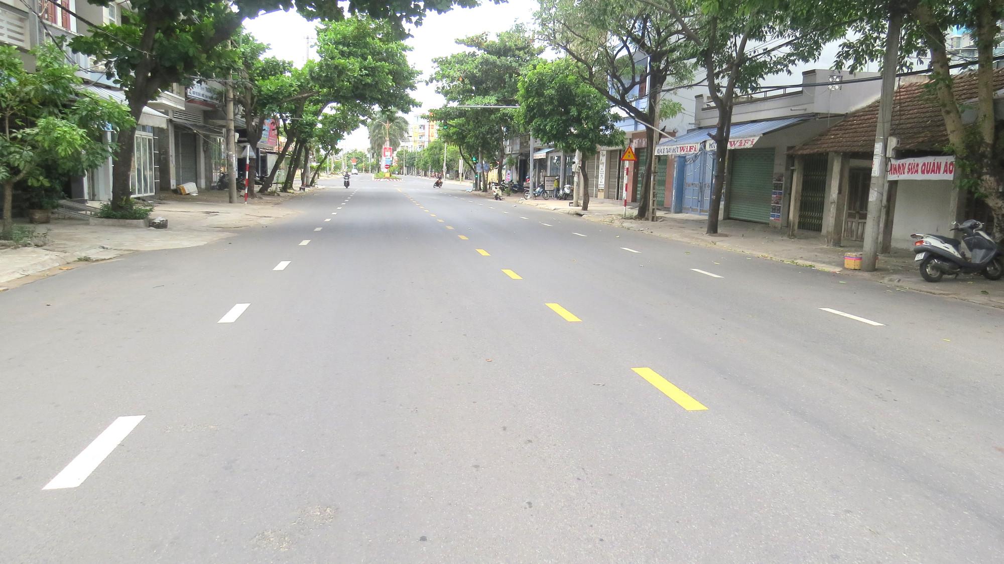 Đường Trần Phú, khu vực phường 2,  TP. Tuy Hòa (Phú Yên), thực hiện Chỉ thị 16