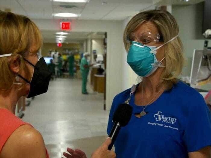 Nữ y tá này cho biết, nhiều bệnh nhân mắc COVID-19 đang hối hận vì đã không tiêm vắc xin ngừa COVID-19 - Ảnh: CNN