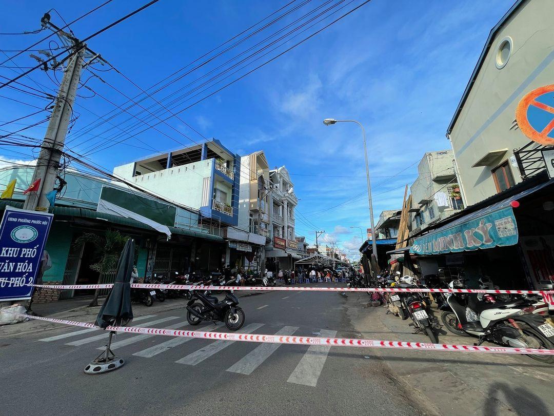 Một khu vực đang bị phong tỏa ở Bình Thuận để phòng chống COVID-19. Ảnh: H.L