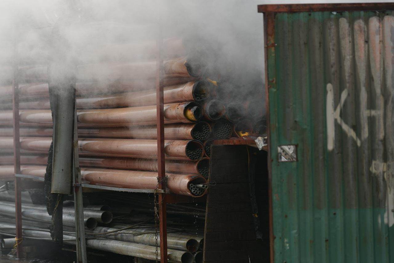 Hiện trường cháy là kho đồ nhựa và thiết bị điện.