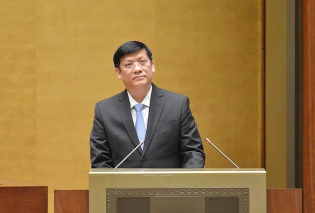 Bộ trưởng Bộ Y tế thay mặt Chính phủ đề xuất nhiều biện pháp chống dịch