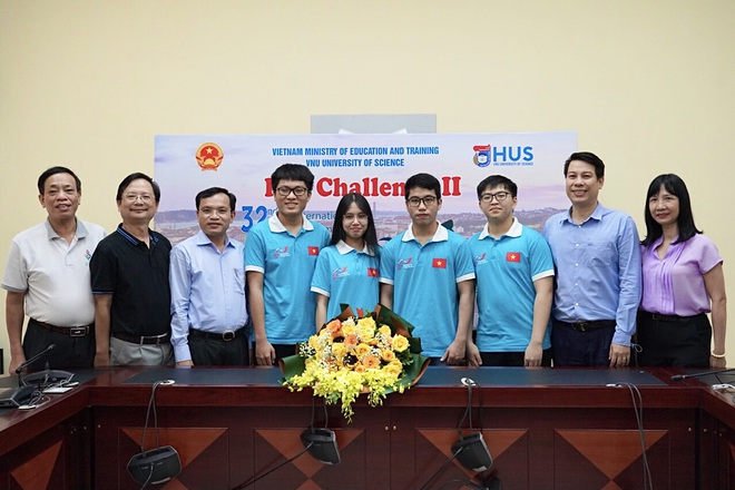Đoàn Olympic Sinh học Quốc tế năm 2021 của Việt Nam.