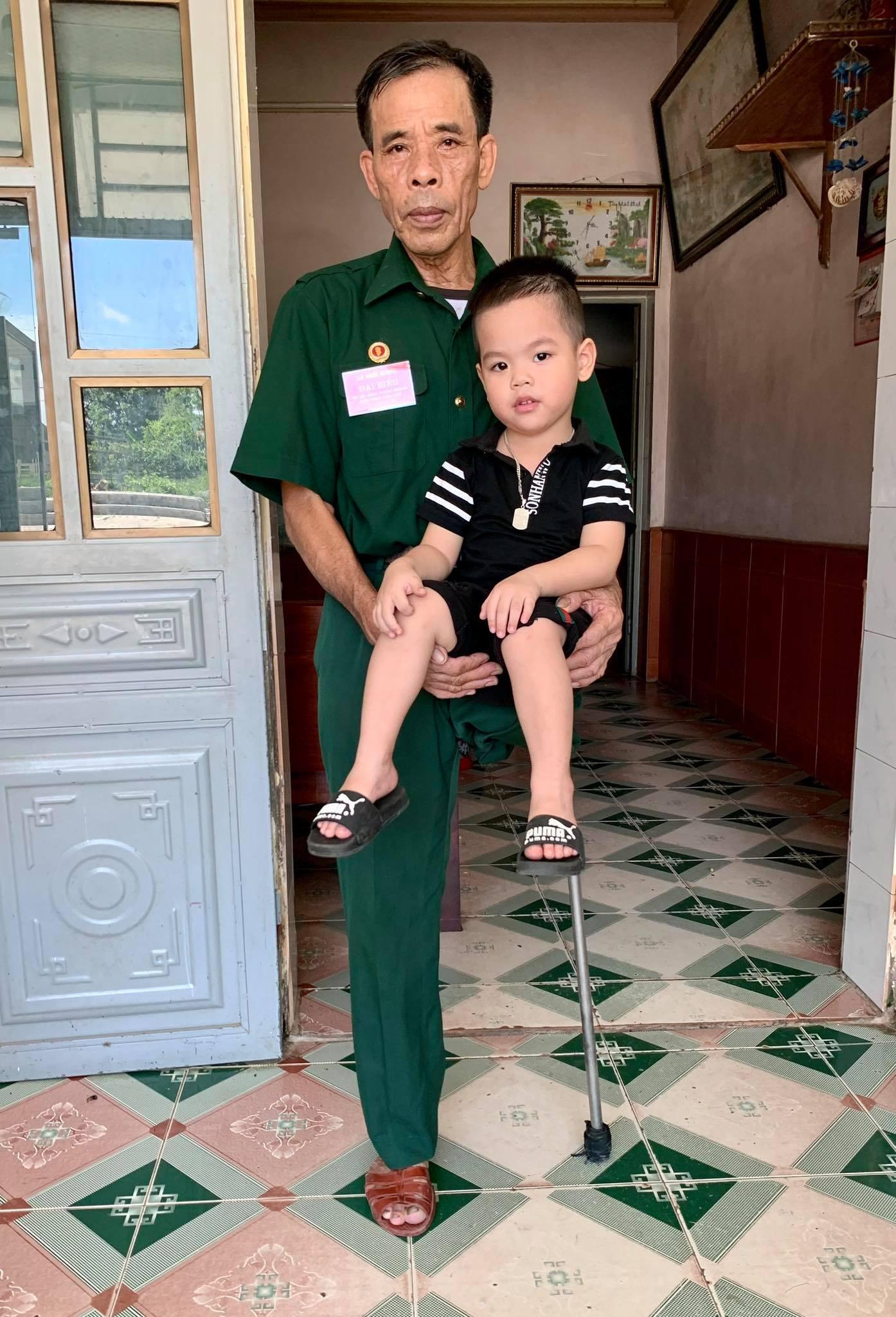 Chú Hoàn là người cha, người ông lý tưởng trong mắt con cháu (Ảnh nhân vật cung cấp)
