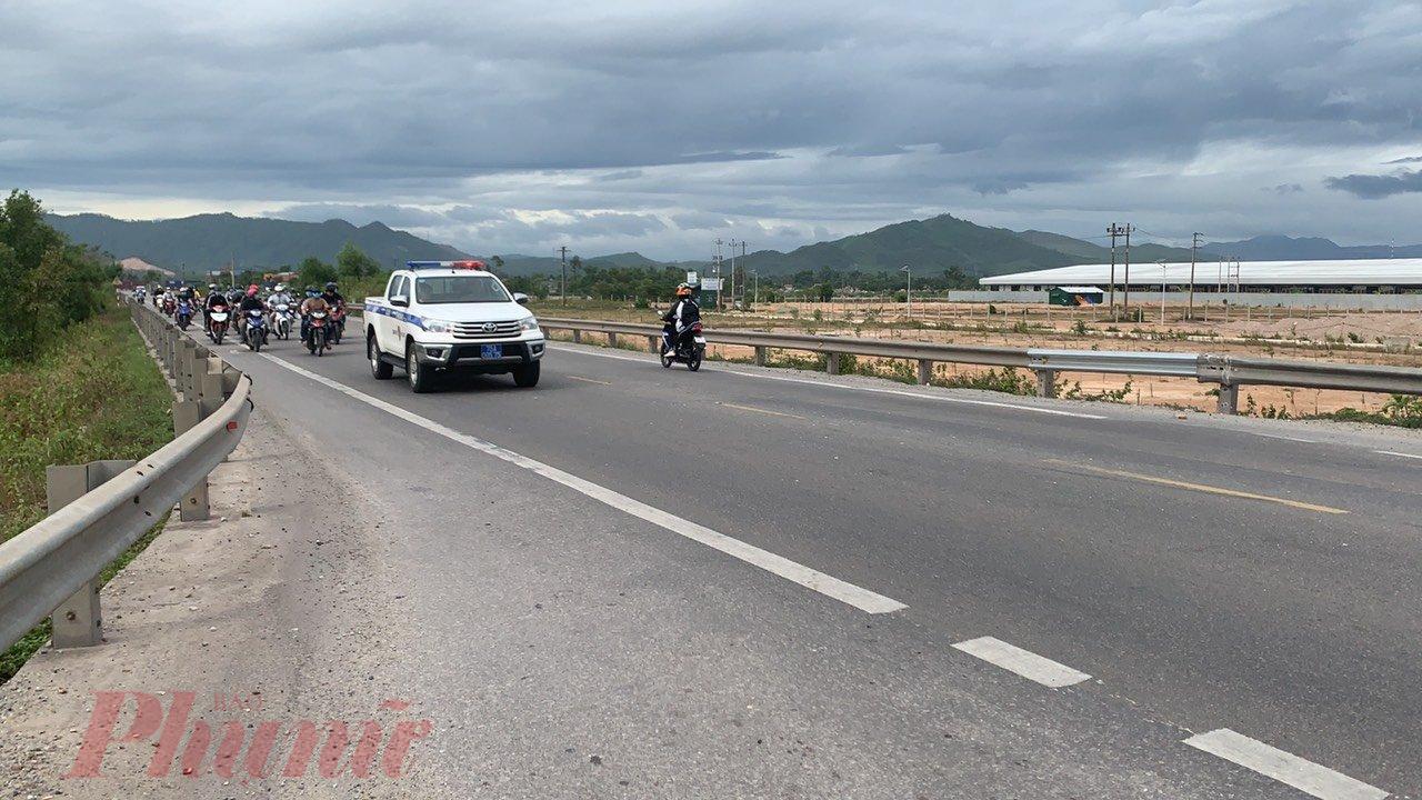 Hiện, những người trên đã được tỉnh Thừa Thiên Huế tiếp nhận và đưa vào khu cách ly. Những người ở tỉnh khác tiếp tục hành trình.
