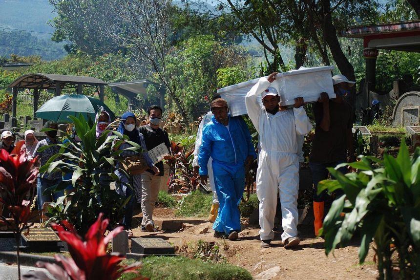 Indonesia ghi nhận số ca tử vong vì COVID-19 tăng vọt trong tuần qua.