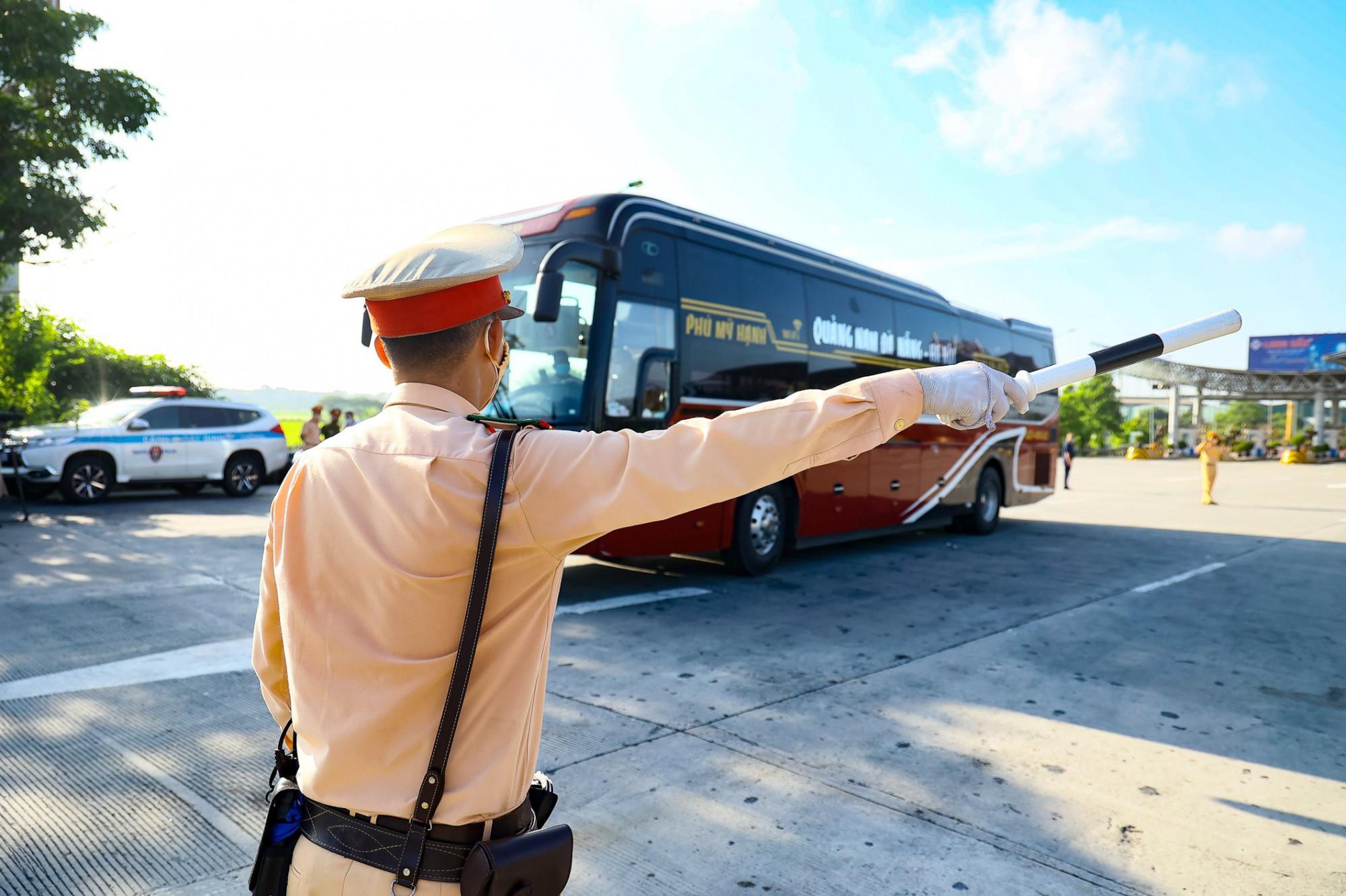 Công an sẽ hướng dẫn phương tiện không đi qua Hà Nội.