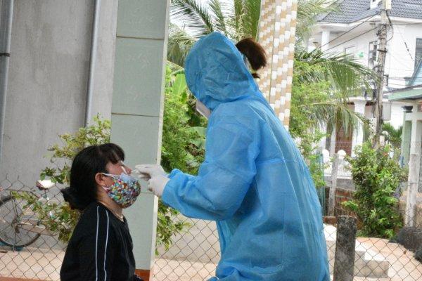 Nhiều nhân viên y tế ở Bình Định mắc COVID - 19