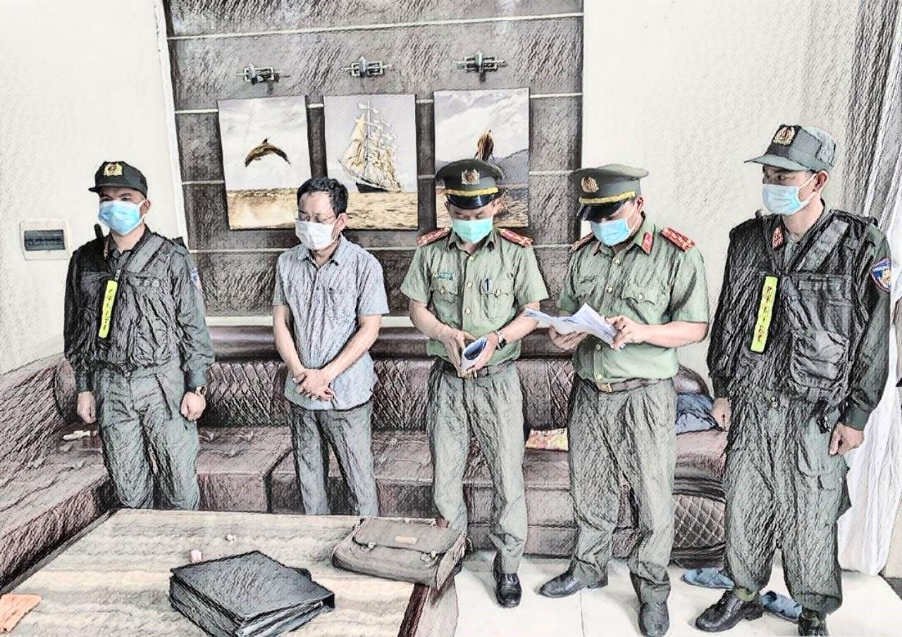 Đọc quyết định bắt tạm giam đối tượng Trần Xuân Long