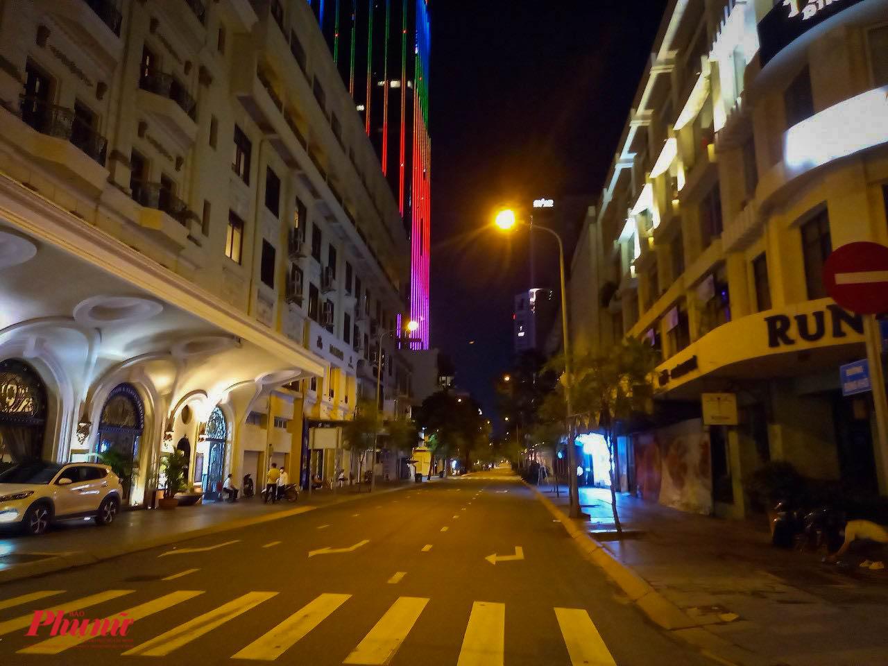 Một đoạn đường Đồng Khởi vắng lặng ngay trung tâm Thành phố