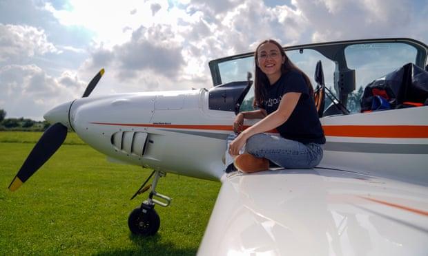 Zara Rutherford hy vọng sẽ trở thành người phụ nữ trẻ nhất bay một mình trên khắp thế giới.