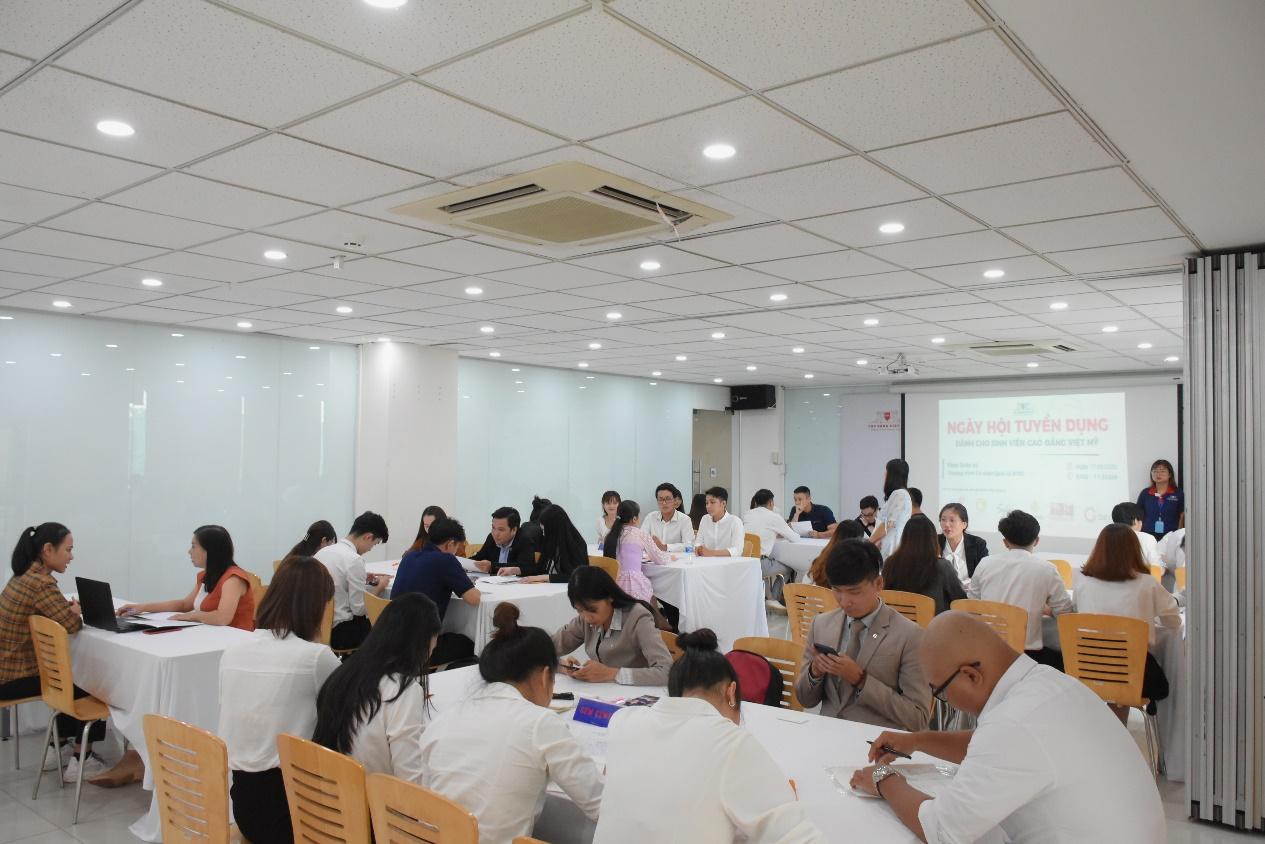 Ngày hội tuyển dụng dành cho sinh viên Trường Cao Đẳng Việt Mỹ - Ảnh: CĐ Việt Mỹ
