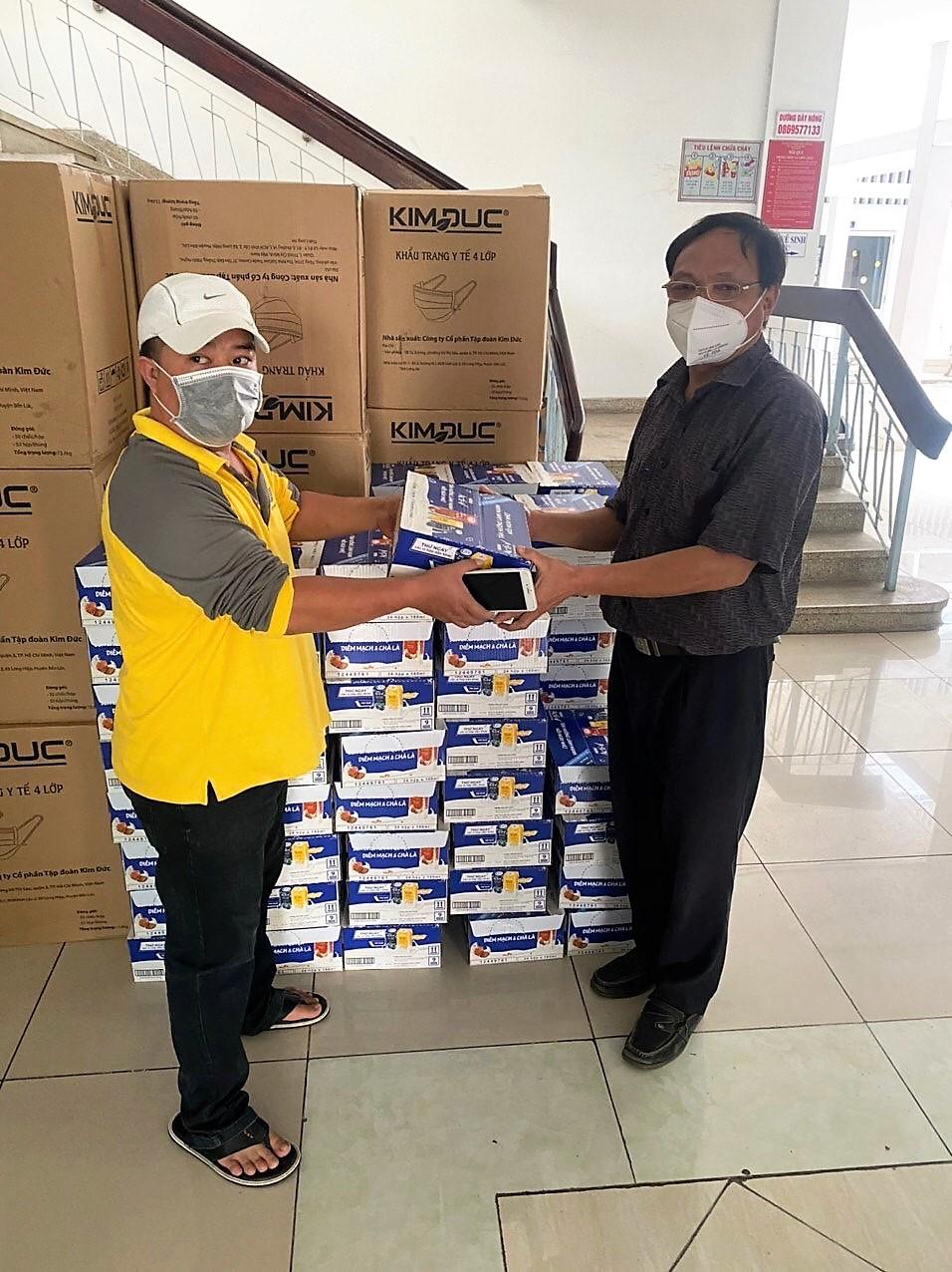 Tuần cuối tháng 7/2021, Nestlé Việt Nam, nhãn hàng Acti-V,  chuyển các sản phẩm dinh dưỡng đến các địa điểm tiếp nhận ở tuyến đầu phối hợp cùng Ủy ban Mặt trận Tổ quốc Việt Nam TPHCM - Ảnh: Nestlé Việt Nam