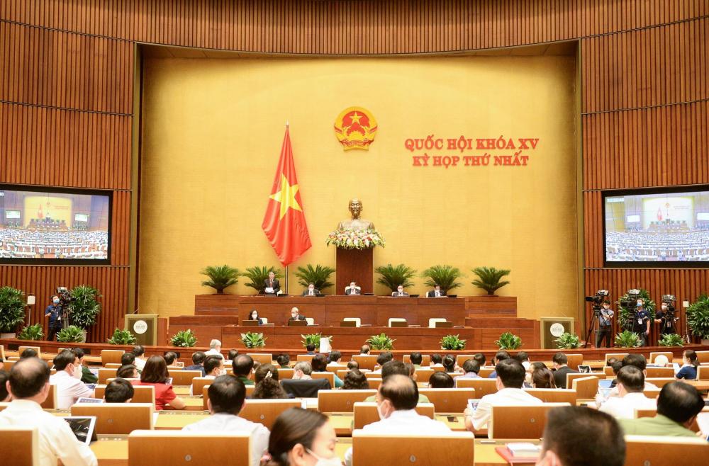 Quốc hội thông qua Nghị quyết về kế hoạch tài chính quốc gia và vay, trả nợ giai đoạn 2021-2025.