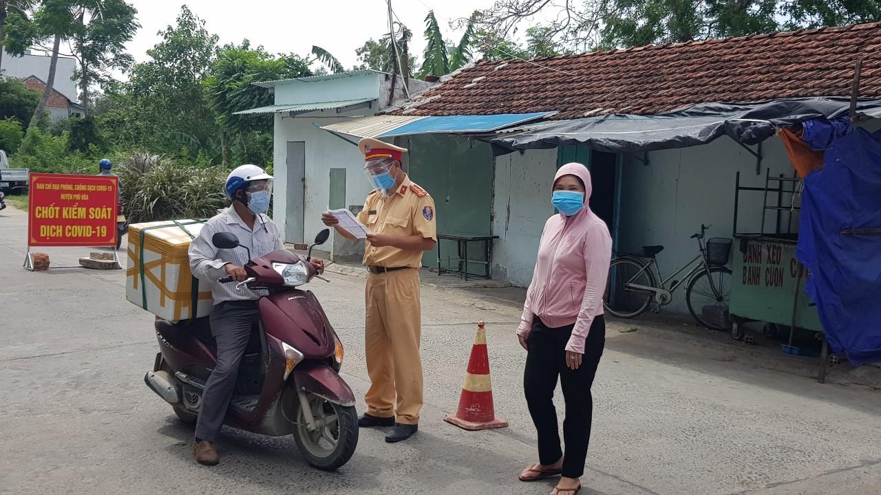 Chốt kiểm soát dịch bệnh COVID-19 huyện Phú Hòa, Phú Yên