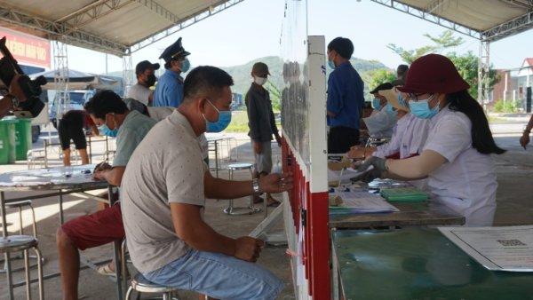 Tỉnh Bình Định tăng cường công tác giám sát người đến về từ vùng dịch, các cơ sở lưu trú trên địa bàn trong việc tiếp nhận người từ các địa phương có dịch đến tỉnh.