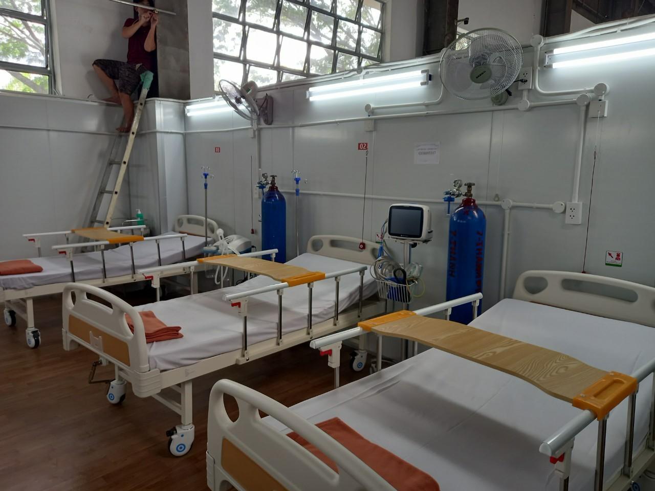 Hệ thống oxy cung cấp cho bệnh nhân tại BV dã chiến số 16. Ảnh: Hà Văn Đạo.