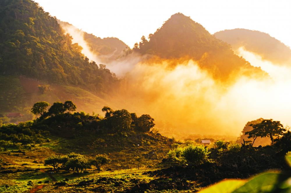 Bình minh trên đỉnh núi Pa Phách