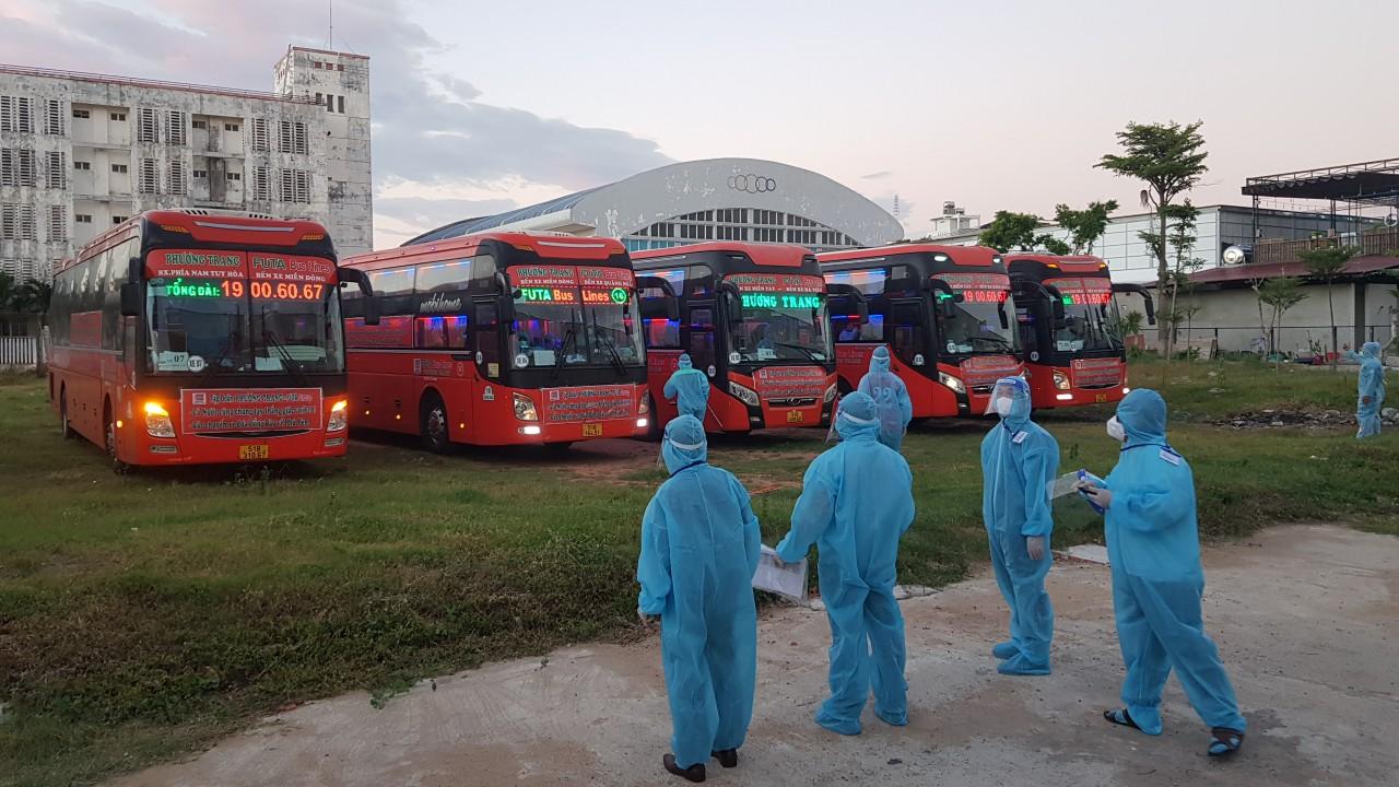 Công dân Phú Yên về từ TP. HCM được xét nghiệm COVID-19