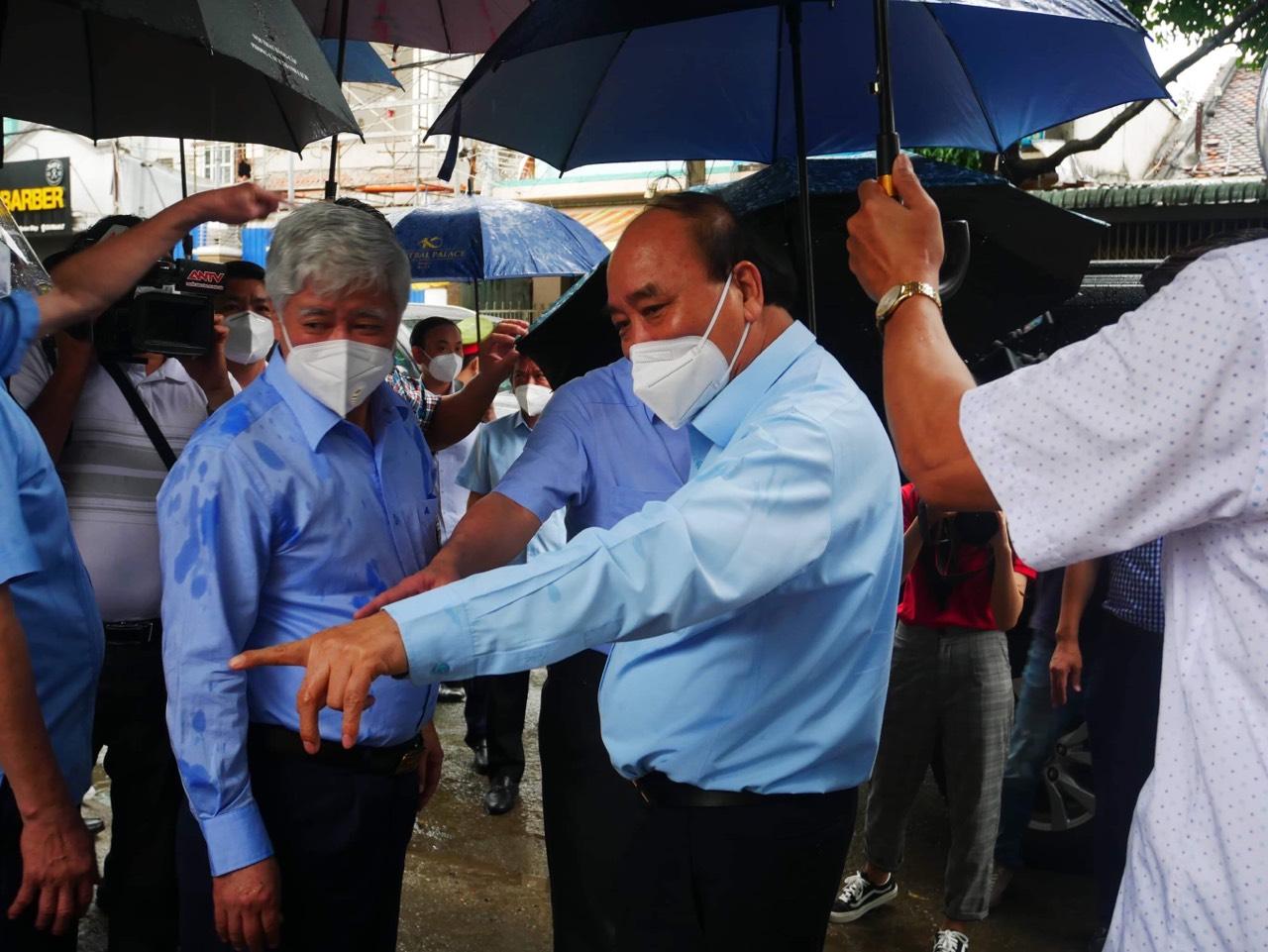 Chủ tịch nước Nguyễn Xuân Phúc trong chuyến làm việc chiều 29/7 tại TPHCM