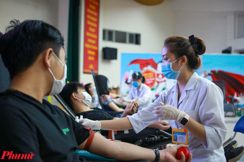 TS. Bạch Quốc Khánh cũng rất mong muốn các địa phương khu vực phía Bắc hiện nhiều ngày không xuất hiện ca nhiễm mới, hãy tổ chức hiến máu để giúp có máu, không chỉ phục vụ nhu cầu điều trị các tỉnh phía Bắc, mà còn giúp cho TP. Hồ Chí Minh và các tỉnh Đông Nam Bộ, Tây Nam Bộ.