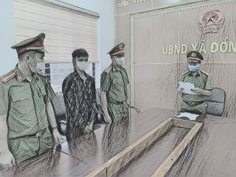 Cơ quan CSĐT Công an huyện đọc lệnh bắt khẩn cấp đối với Triệu A.H.