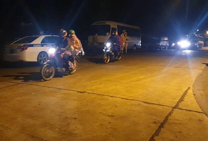 Lực lượng chức năng hỗ trợ dẫn đường cho cuộc trở về của hơn 800 công dân