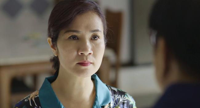 Diễn viên Nguyệt Hằng gây ấn tượng với nhân vật bà Hoài.