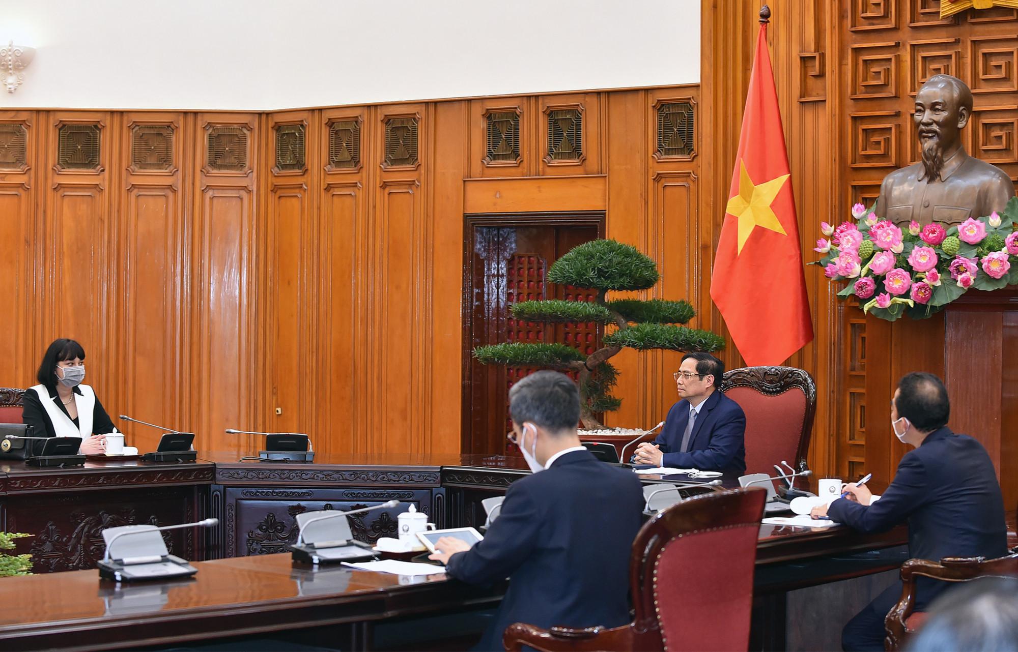 Thủ tướng Phạm Minh Chính trân trọng cảm ơn Chính phủ Romania đã tặng 100.800 liều vaccine Astra Zeneca cho Việt Nam