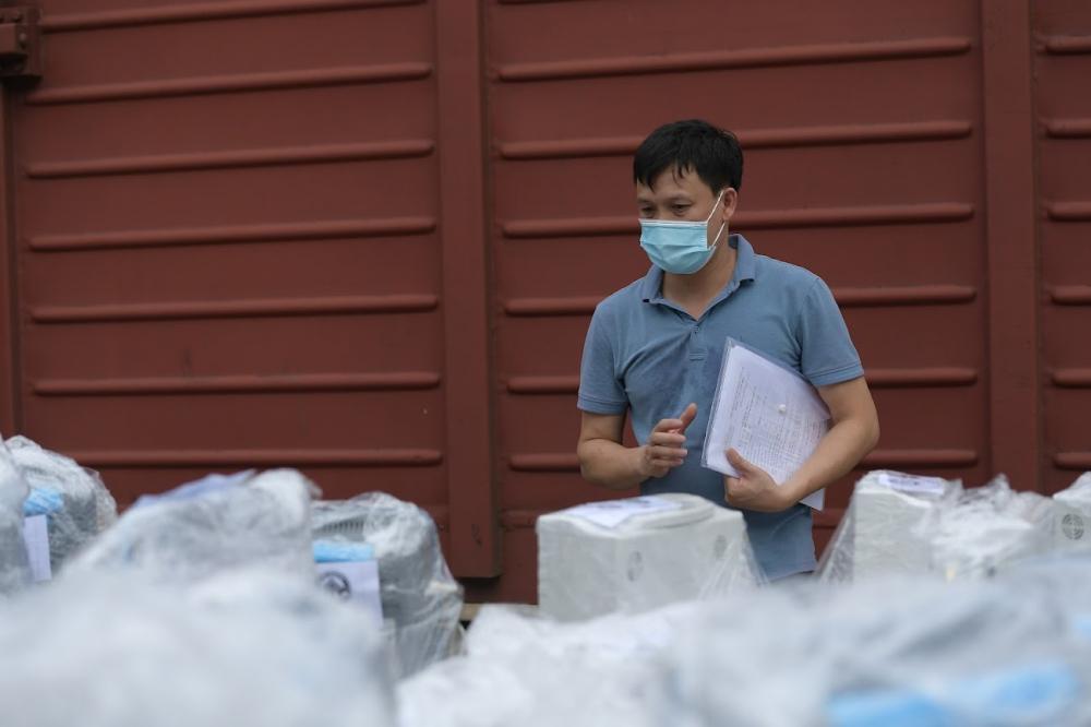 Thực hiện chỉ đạo của Bộ trưởng Bộ Y tế, đoàn cán bộ, chuyên gia của Bệnh viện Bạch Mai đã khảo sát kỹ khu cách ly cũng như từng phòng bệnh ở Bệnh viện Dã chiến 16 (Quận 7, TP.HCM).