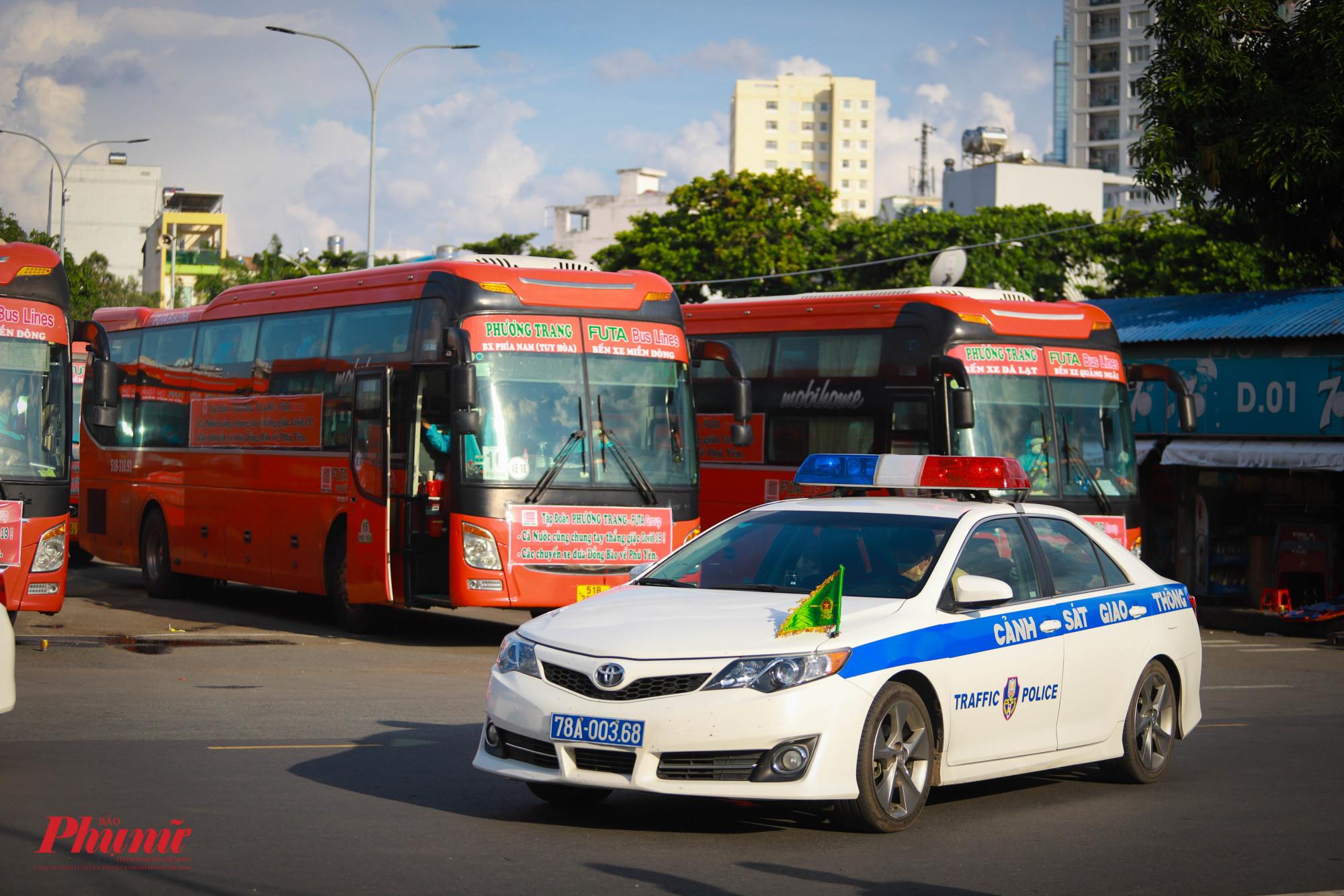 Xe CSGT tỉnh Phú Yên sẽ hỗ tống đoàn về quê thuận lợi, an toàn.