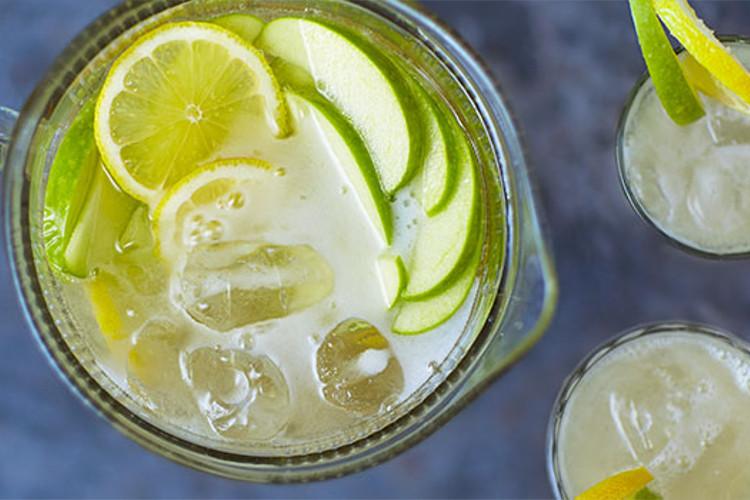 Apple prosecco punch: Thành phần 400ml nước táo 200ml vodka nước ép 2 quả chanh 750ml Prosco Nước đá 1 quả táo xanh , nạo vỏ và thái nhỏ 1 quả chanh , cắt lát Phương pháp BƯỚC 1 Đổ nước táo, rượu vodka và nước cốt chanh vào một cái bát và làm lạnh trong 1-2 giờ.  BƯỚC 2 Khi bạn đã sẵn sàng phục vụ, hãy thêm rượu, đá, táo và chanh để trang trí.  QUẢNG CÁO CŨNG ĐI VỚI Bánh tart kem việt quất Salad táo xanh More from around the web Promoted stories by How to Avoid Mosquito Bites Without Using Chemicals (Try It) How to Avoid Mosquito Bites Without Using Chemicals (Try It) (Top Gadget Advisor) The perfect sandals that has taken the world by a storm. The perfect sandals that has taken the world by a storm. (Quickdry SANDALS ™) Meet Grace, the healthcare robot COVID-19 created Meet Grace, the healthcare robot COVID-19 created (CNA) A man who owns this home has set an all-time record. A man who owns this home has set an all-time record. (Mansion Global) Getting a Master's Degree in Germany May Be Easier Than You Think Getting a Master's Degree in Germany May Be Easier Than You Think (Master Degree in Germany   Sponsored Listings) The push-up underpants that have taken out country by storm. The push-up underpants that have taken out country by storm. (MAGIC Pants™) At least 120 cats rescued from 'hellish jail' outside Bangkok At least 120 cats rescued from 'hellish jail' outside Bangkok (CNA) For Sale: Cristiano Ronaldo's Former Manchester Mansion For Sale: Cristiano Ronaldo's Former Manchester Mansion (Mansion Global) Nhận xét, câu hỏi và mẹo (3) Đánh giá công thức này Xếp hạng sao của bạn trong số 5 là gì?1 sao trên 5 2 sao trên 5 3 sao trên 5 4 sao trên 5 5 sao trên 5 Chọn loại tin nhắn bạn muốn đăng Chọn loại tin nhắn bạn muốn đăng  Nhận xét  Câu hỏi  Mẹo Đánh giá tổng thể Đánh giá: 4 trên 5. 5 đánh giá missjckwiku6BPkM9t 2 tháng trước Tiền Boa Thức uống giải khát, lý tưởng cho một ngày hè. Chúng tôi đã thêm rượu blackberry và thực sự điều này thực sự làm tăng hương vị. 