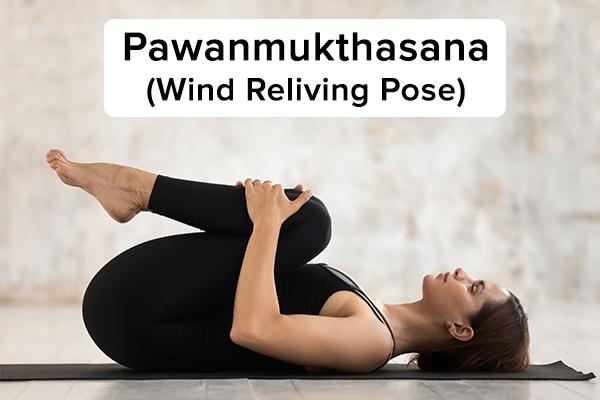 4. Pavanmukthasana (tư thế chống gió) pawanmukthasana (tư thế dựa vào gió) để mọc tóc Nằm thẳng lưng. Hít vào sâu, đưa đầu gối phải của bạn đến gần ngực và nắm chặt nó trong tay. Đẩy trán của bạn về phía đầu gối phải trong khi thở ra. Giữ tư thế này trong vài giây, hít vào thở ra nhẹ nhàng. Hít vào một hơi và từ từ thả đầu trở lại sàn. Thở ra và đặt chân phải của bạn trở lại sàn. Lặp lại bài tập này với chân còn lại và sau đó với cả hai chân.