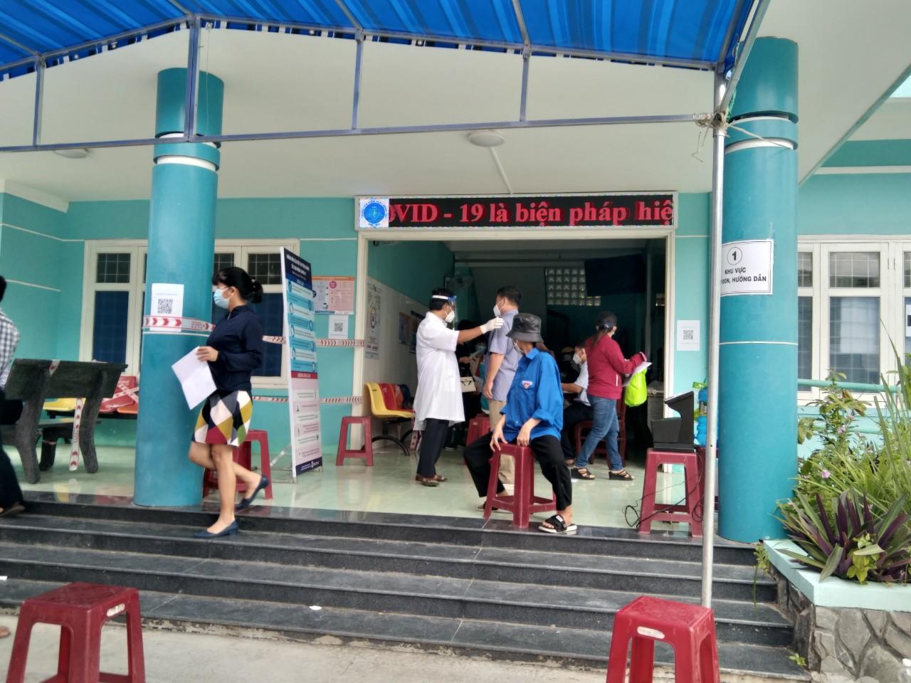 Phú Yên tiếp tục triển khai chiến dịch tiêm chủng vắc xin phòng COVID-19