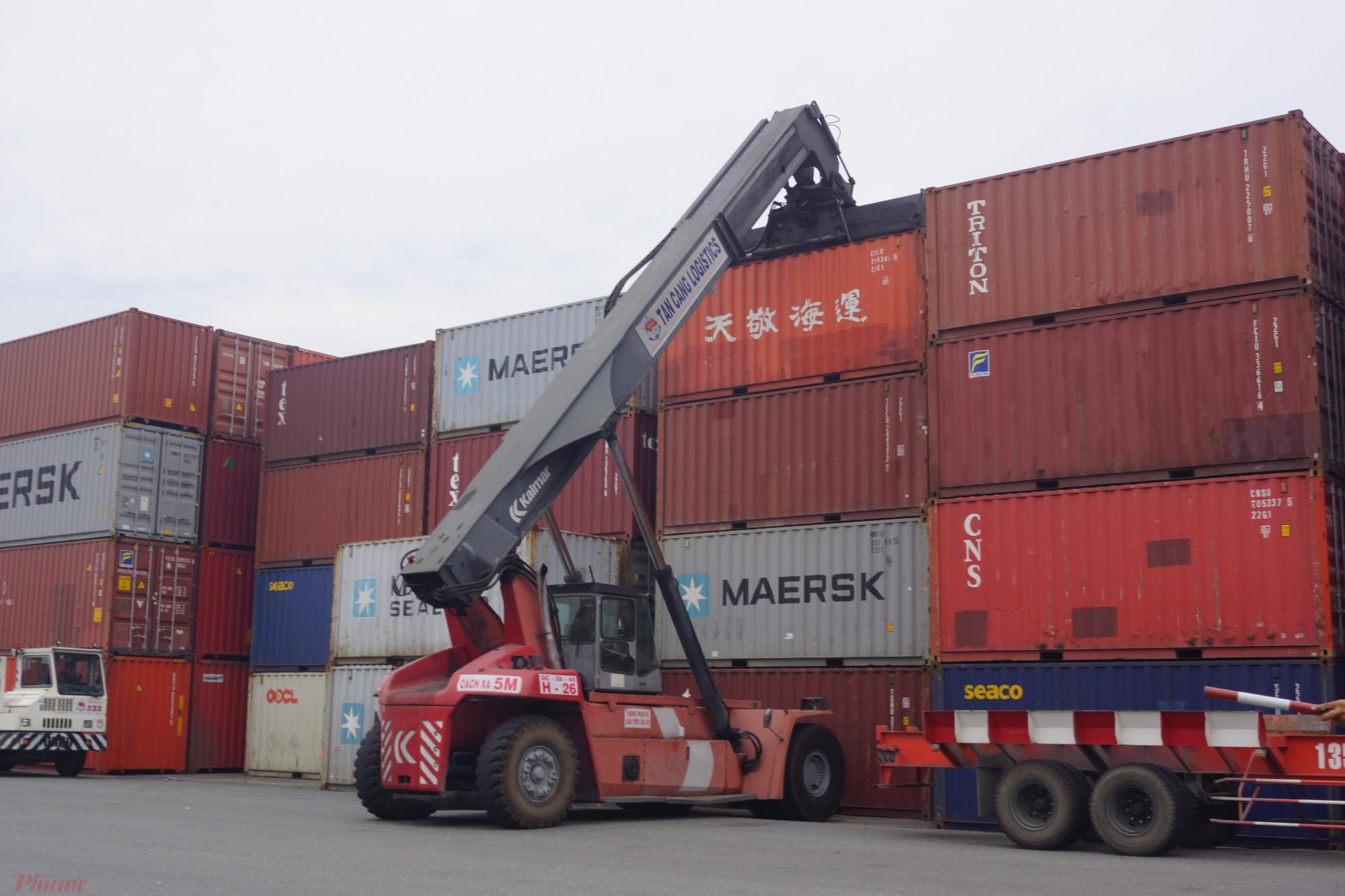 Container tồn tại Cảng Cát Lái đến 100% nên cảng tạm ngưng nhận hàng (Ảnh minh hoạ)