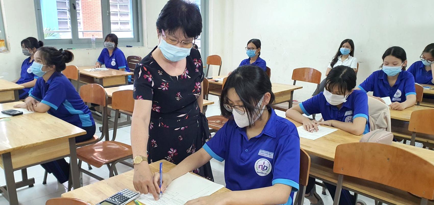 Thí sinh vừa tốt nghiệp THPT học quản lý giáo dục ngay khó có việc làm (ảnh minh họa)