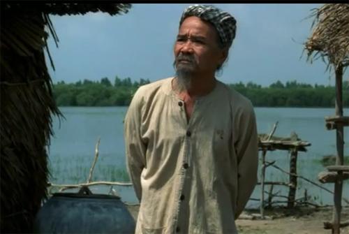 Nghệ sĩ Hữu Thành trong phim Mùa len trâu.
