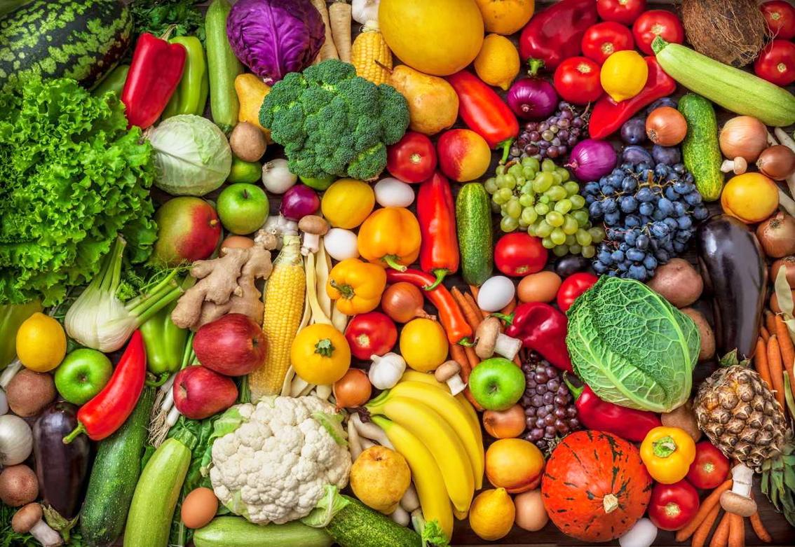 Chế độ ăn uống với rau củ quả đầy màu sắc tươi sáng rất có lợi cho trí não sau này